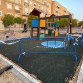 La Policía Local ha precintado tres parques infantiles en mal estado a petición del PSOE