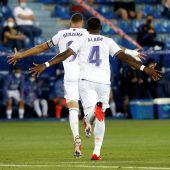 El Real Madrid golea al Alavés en su estreno liguero