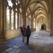 Peregrinos del Camino de Santiago en la Catedral de Oviedo