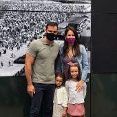 Saúl Craviotto y su familia en la FIDMA