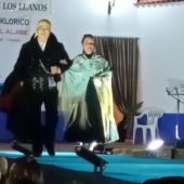 Los Coros y Danzas de Alcázar de San Juan, en el desfile de Trajes Regionales de Santa María de los Llanos