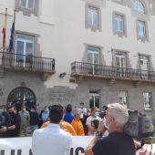 Trabajadores de Alu Ibérica se concentran ante la Delegación del Gobierno en Galicia