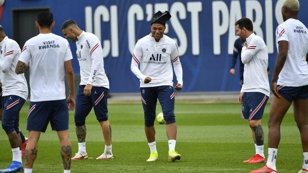 Kylian Mbappé en el entrenamiento del PSG