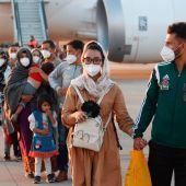 El segundo avión español aterriza en Madrid con 110 repatriados afganos evacuados