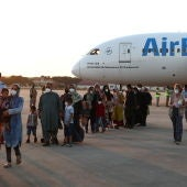 Llegada a Torrejón del segundo avión de evacuados afganos fletado por España