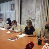 Instantes de la firma del convenio en el Ayuntamiento de Chiclana