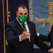 El presidente del Principado de Asturias, Adrián Barbón y el presidente de Repsol, Antonio Brufau