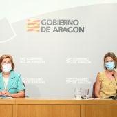 La consejera Broto y la directora gerente del IASS, Noelia Carbó.