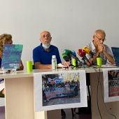 Instantes de la rueda de prensa de la APDHA en Cádiz