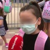 """""""Es un rollo, pero hay que sobrevivir"""": la respuesta viral de un niña sobre usar mascarilla en el colegio"""
