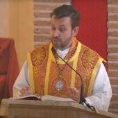 El cura de Valdepeñas durante un sermón