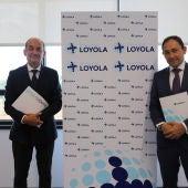 Gabriel Pérez, rector de la Universidad Loyola y , Juan Carlos González Acebes, director General de Personas y Organización de Quirónsalud