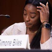 """Simone Biles culpa al FBI de """"hacer la vista gorda"""" ante los abusos de Larry Nassar"""