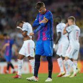 Gerard Piqué cabizbajo tras el encuentro ante el Bayern