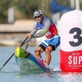 Daniel Parres consigue tres medallas de oro en el campeonato del mundo de paddle sup.