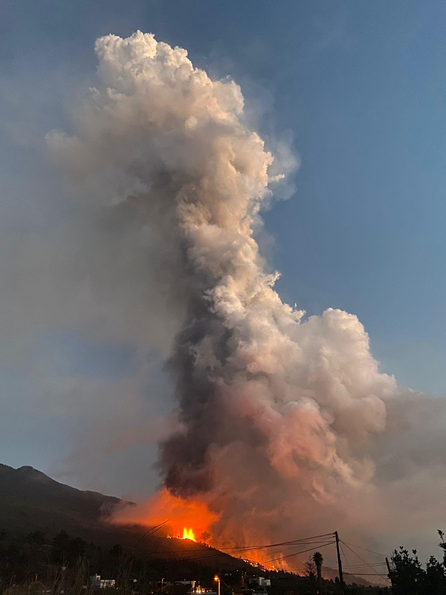 """Luis Alberto Rodríguez, jefe de ingeniería del Gran Telescopio de Canarias: """"El ruido del volcán es indescriptible, no puedes escapar de él"""""""
