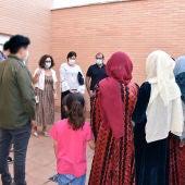 La alcaldesa de Miguelturra ha visitado a las familias afganas