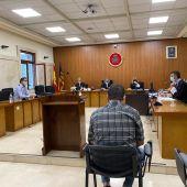 El condenado por un delito leve de daños, uno de lesiones y otro de agresión sexual en grado de tentativa durante el juicio que ha tenido lugar en la Audiencia Provincial de Baleares.