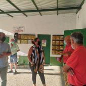 Reunión en la barriada con la alcaldesa, Elena Amaya
