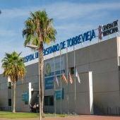 Torrevieja vuelve a situarse como departamento de salud con menos demora quirúrgica de la comunidad