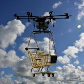 Dron llevando un carro de compra