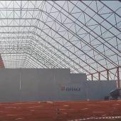 Vista de la nave que se está construyendo en el puerto