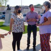 El alcalde Victor Mora visita la Plaza del Pino