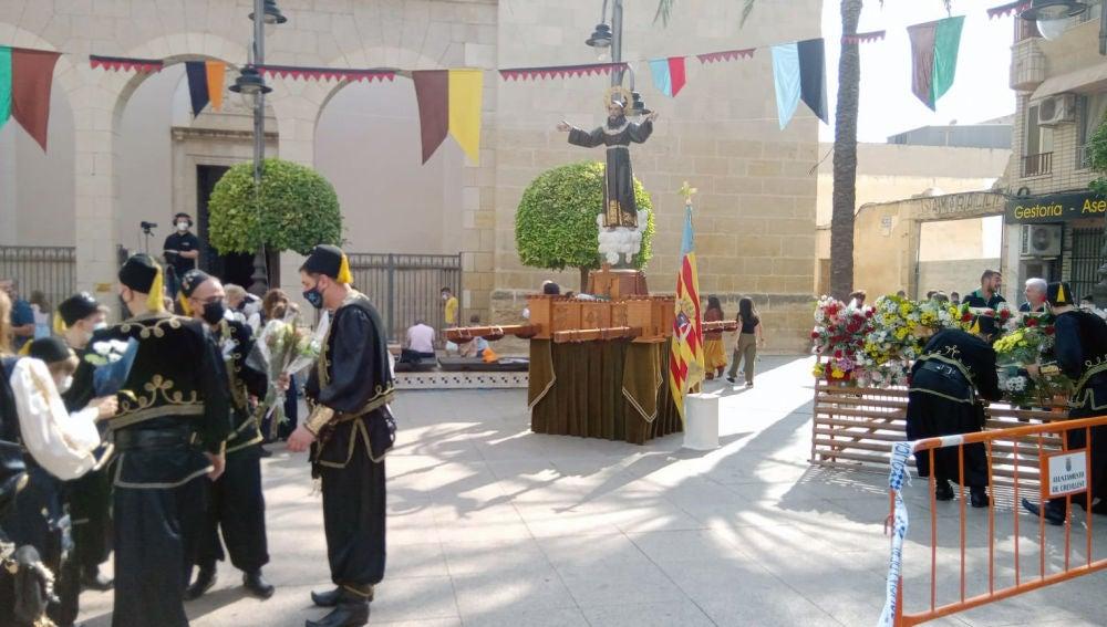 Ofrenda Floral de las fiestas de Moros y Cristianos de Crevillent de 2021.