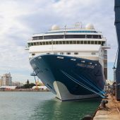 Un crucero en el Puerto de Cádiz