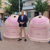 Presentación de los iglús rosa en la Plaza del Ayuntamiento de El Campello