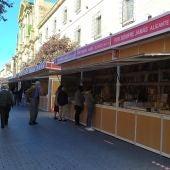 La Feria del Libro Antiguo y de Ocasión de Alcalá de Henares estrena ubicación en la calle Libreros