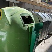 Uno de los contenedores de vidrio instalados en Crevillent.