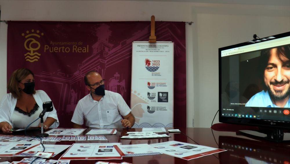 Instantes de la presentación hoy en Puerto Real