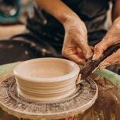 La alcaldesa de Talavera defiende la necesidad de un sello para proteger los productos artesanales