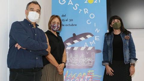 De izquierda a derecha Vicente Seva, María José San Román y Julia Parra