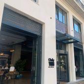 Puerta principal Only YOU Málaga