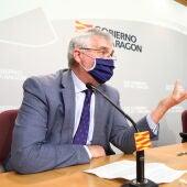 El consejero de Agricultura, Joaquín Olona, durante la rueda de prensa