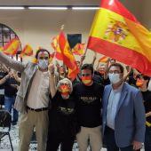 Seguimiento del certamen en Lebrija por el panadero Domi Vélez y el alcalde de la localidad, José Barroso
